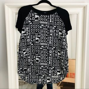 Black & White Geometric Shapes Forever 21 Top